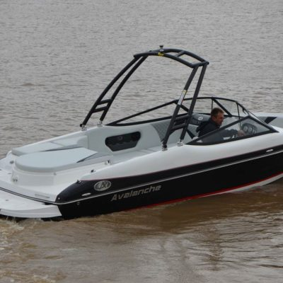 Avalanche 250 inboard