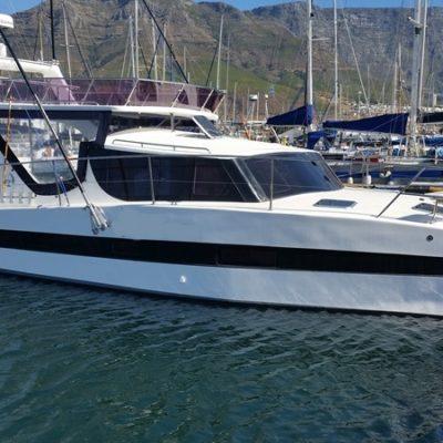Tru32-Motor-Yacht